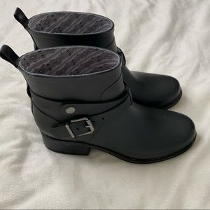 LUCKY BRAND rindah belted heeled rain boot